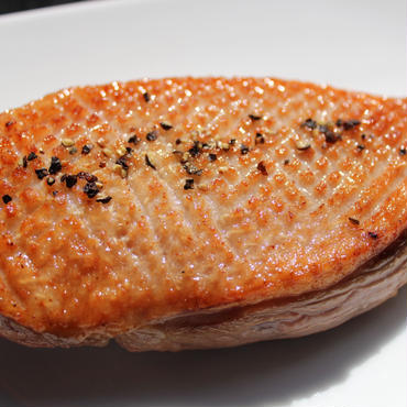 鴨胸肉の薫製 ( Canard fume ) / 1枚(約150g)