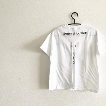 backストラップ付きTシャツ