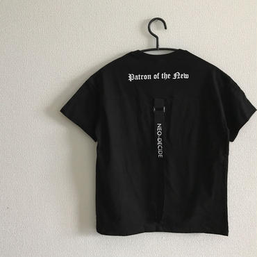 backストラップTシャツ