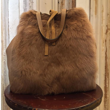 【white in eight】calf leather with fur bags