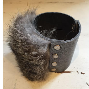 【MIKASHKA】Fur bangle