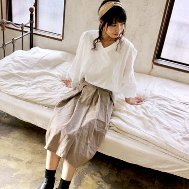 【受注生産】綿麻コットンリネンのサイドファスナータックフレアスカート(グレージュ)