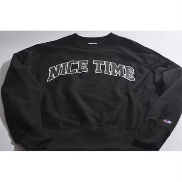 "【 tr.4 suspension 】""NICE TIME"" COLLEGE LOGO SWEAT ( BLACK )"
