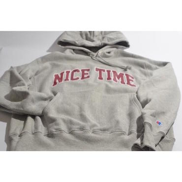 "【 tr.4 suspension 】""NICE TIME"" COLLEGE LOGO PULLOVER HOODED ( OXFORD GRAY )"