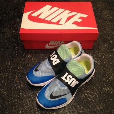 NIKE LUNARFLY 306 QS (UNIVERSITY-BLUE/BLACK-WHITE)