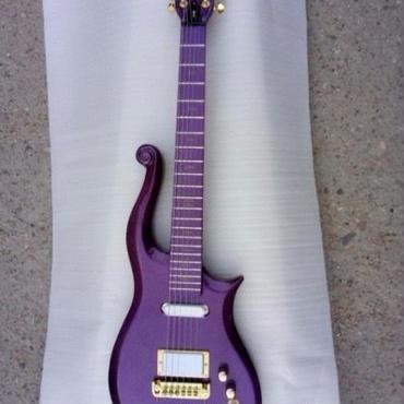 プリンス型 ノーブランドギター 紫、白、青、黄、黒 カラー選択カスタムオーダーメイド