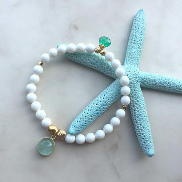 White shell & aquamarine  bracelet