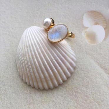 Rainbow moonstone &pearl ring