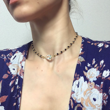 Crystallize quartz choker (with a black spinel)
