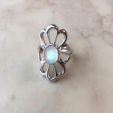 Flower silver ring (Rainbow moon stone)