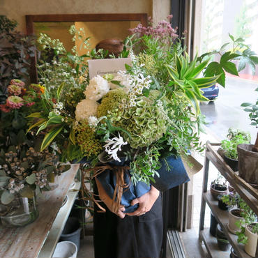 Seasonal arrangement / white&Green-L