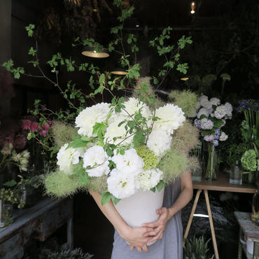 Seasonal arrangement / white&Green-2