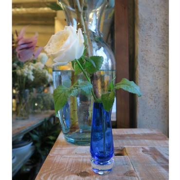 Antique flower vase / GER-010