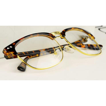 年齢問わずおしゃれ/知的な印象のブローメガネ