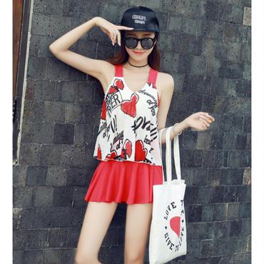 赤ハート/黒ロゴの2タイプの模様/体型カバースカート付タンキニ