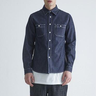 コーデの幅が広がるデニムベーシックシャツ