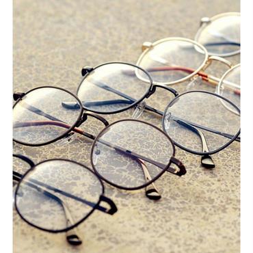 スタイル選ばずおしゃれに決まるボストンレンズメガネ