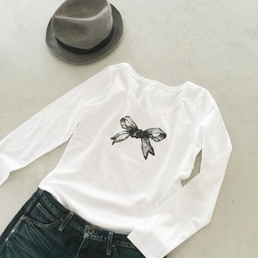 リボンの長袖Tシャツ(ブラック)
