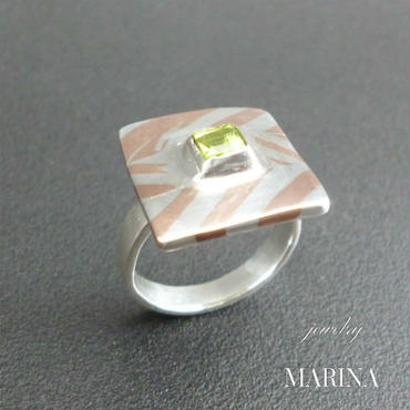 ZEBRA - ring Square peridot