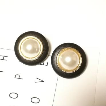 fake leather  Black×pearl  pierce