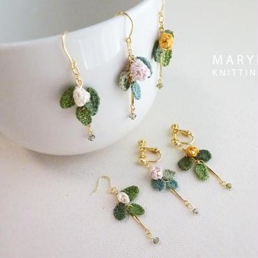 小さな庭 野花のピアス/イヤリング *035
