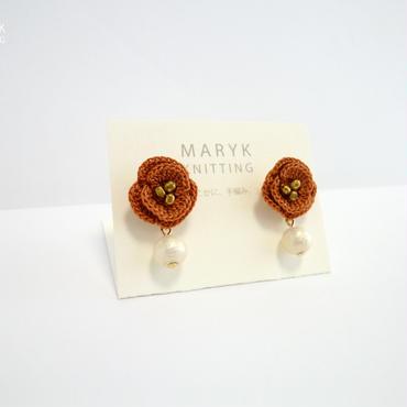 オレンジ色のバラとコットンパール(ショート)イヤリング/ピアス *173 送料込