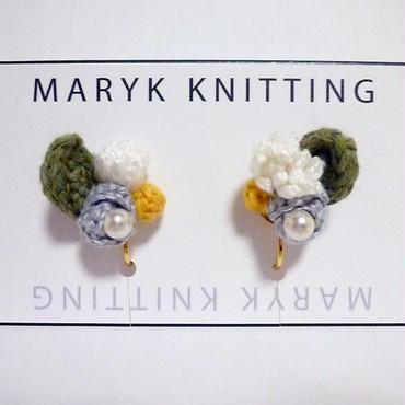 春の小さなブーケ イヤリング hand knit *025