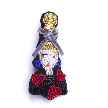ハートセーターの女の子  heart heart heart  | ビーズブローチ hand made beads brooch