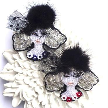 Miss.Black fur(ミス・ブラックファー)  | ビーズブローチ Hand made beads brooch.