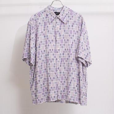 幾何学シャツ