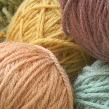 北欧デザインの卵パックに入った毛糸(6色) ::春色セット::冬色セット::