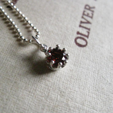 Milk Crown Necklace -Garnet-5mm※受注後制作