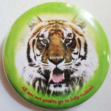 タイガー缶バッチ