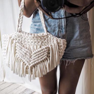 ハンドメイド手編みバッグ