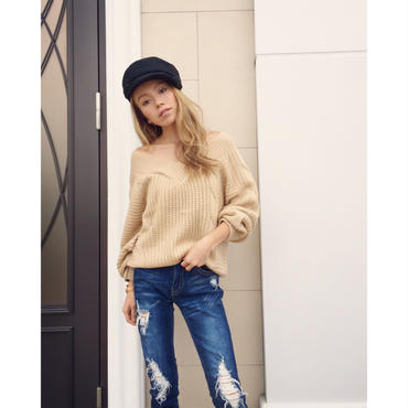 CABLE VNECK KNIT