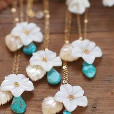 Moana Shell  Plumeria Necklace