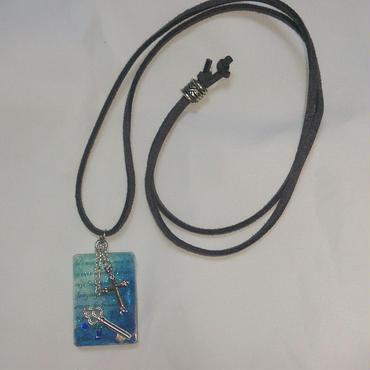 【送料無料】鍵と十字架のペンダント