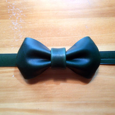 leather bow tie  [green]