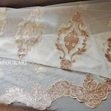 アラベスクモチーフ・刺繍カーテン生地「ロマネスク・ローズ」170cm×280cm