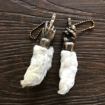 MADE IN USA - FUCK LUCK RABBIT FOOT キーチェン(真鍮)