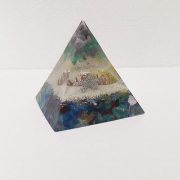 ピラミッド型オルゴナイト(琉球ガラス)