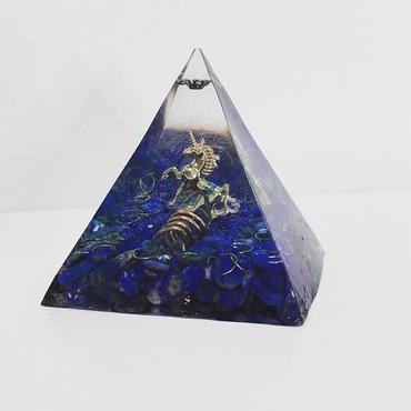 ピラミッド型オルゴナイト(ラピスラズリ)