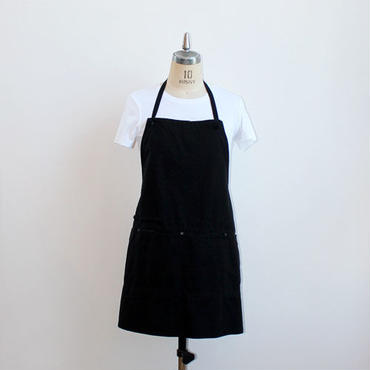 13 HUNTER HALF APRON_BLACK