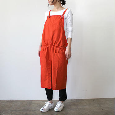 GATHER WRAP APRON_RED