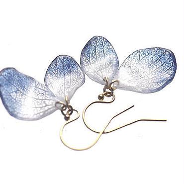 アジサイ【藍染】ふたつ花片のピアス/イヤリング 14kgf