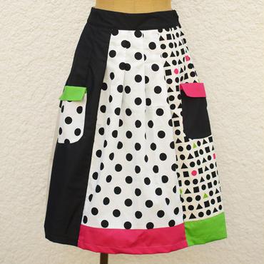 お手伝いスカート ~白黒遊び~
