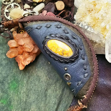 Harf moon twilight pouch-半月型 エクリプス小物入れ