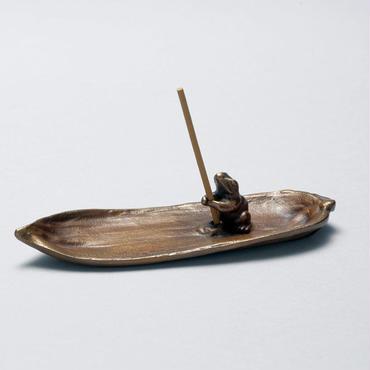 073-04 香立 笹に蛙(小)