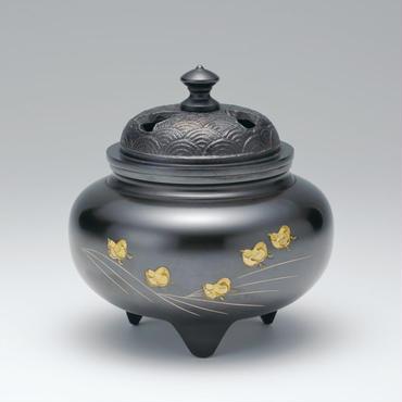 057-05 香炉 鉄鉢型 四海波蓋 波千鳥彫金