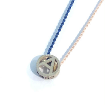 PHINGERIN / Tiny A Necklace (beige x navy) (Blend)